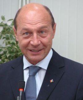 Basescu 8